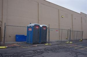 Temporary fencing along the back of the theater. - , Utah
